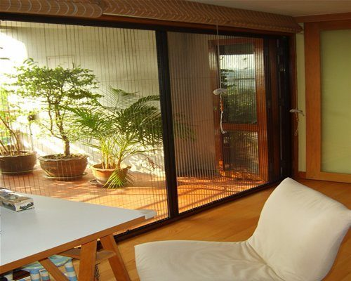 Retractable Screens for Doors